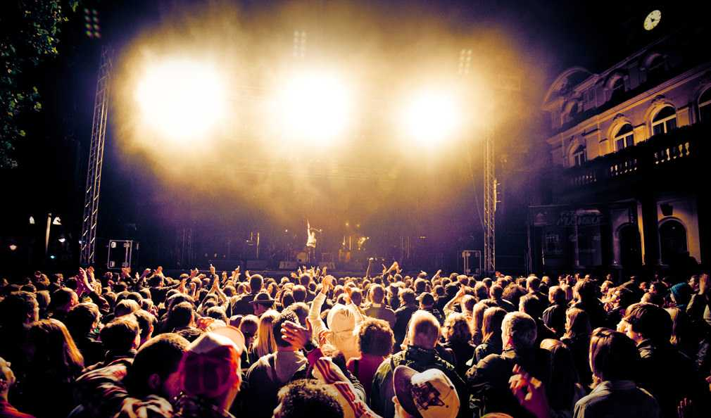 5 Tips To Better Your Live Music Performances