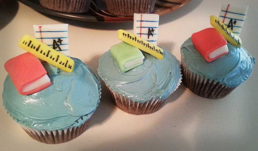 How To Make Creative Back to School Cupcakes