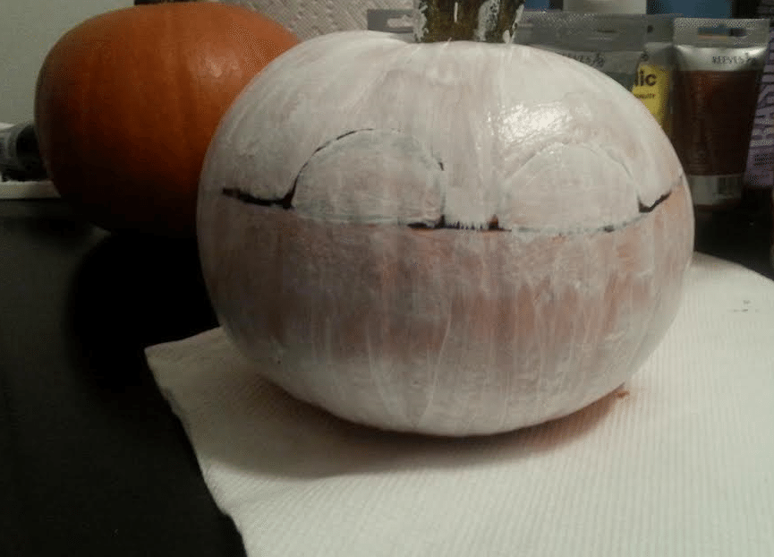 How To Make Creative Pumpkins for Halloween - Mummy Outline