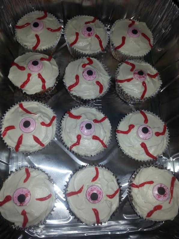 How to Make Tasty & Spooky Halloween Cupcakes - Veins