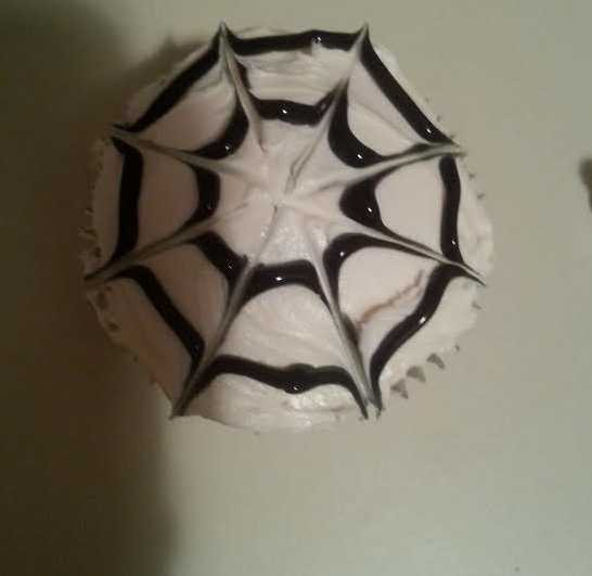 How to Make Tasty & Spooky Halloween Cupcakes - Web