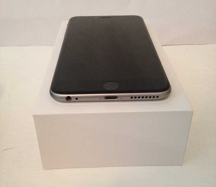 Apple iPhone 6 Plus - Front